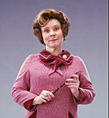 Просмотр фильма о Гарри Поттере, надо полагать, для китайских школьных законотворцев не прошло даром. Из фильма о знаменитом волшебнике извлекли самый отрицательный персонаж— Долорес Амбридж, поселили ее принципы дисциплины в китайских школах.