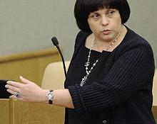 Члены фракции ЛДПР Ян Зелинский и Елена Афанасьева, которым в голову пришла идея внести поправки в закон «О государственном языке», в своей пояснительной записке размером в 244 слова допустили около 20 синтаксических, стилистических и пунктуационных ошибок.