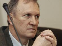 Вице-президент РАН Валерий Козлов раскритиковал инициативу столичных властей по внедрению в процесс преподавания математики различных уровней сложности.