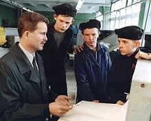 Неделю назад премьер министр РФ Дмитрий Медведев на заседании правительства сообщил, что 45 регионам планируется выделить в общей сложности 1 миллиард рублей на поддержку профессионального технического образования.