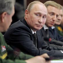Оптимизация военных вузов должна послужить успешному развитию российской армии, так как система высшего военного образования – фундамент вооруженных сил, – считает Владимир Путин.