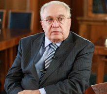 Виктор Садовничий, ректор  МГУ: Необходимо поторопиться с созданием правовой основы для отечественной модели дистанционного обучения.