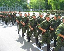 Идея создания рабочей группы, в которую помимо представителей Минобрнауки и Минобороны войдут ректоры вузов, поддержана министром обороны РФ Сергеем Шойгу.