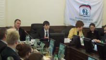 Глава Рособрнадзора, Сергей Кравцов в очередной раз заверил, что никаких изменений для школьников в ЕГЭ – 2014 не будет.
