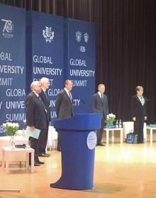 Более 300 профессоров, ректоров и проректоров университетов России и зарубежья съехались на Глобальный университетский форум.