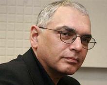 Карен Шахназаров, кинорежиссер, предложил избавить школьников от ЕГЭ по литературе, вернув полноценный экзамен