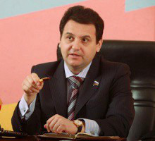 депутат-справедливоросс Олег Михеев выступил с законодательной инициативой обязать все школы ввести группы продленного дня