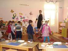 По оценкам Минобрнауки, полученными в результате мониторинга детских садов, количество детей, получающих дошкольное образование в России почти достигло 86%.