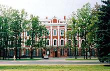 Санкт-Петербургский Государственный университет (СПбГУ) принимает участников IV Международного студенческого турнира естественных наук.